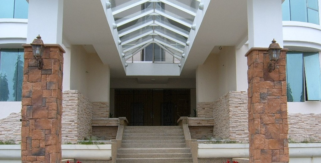 Main Entrance with Craftstone